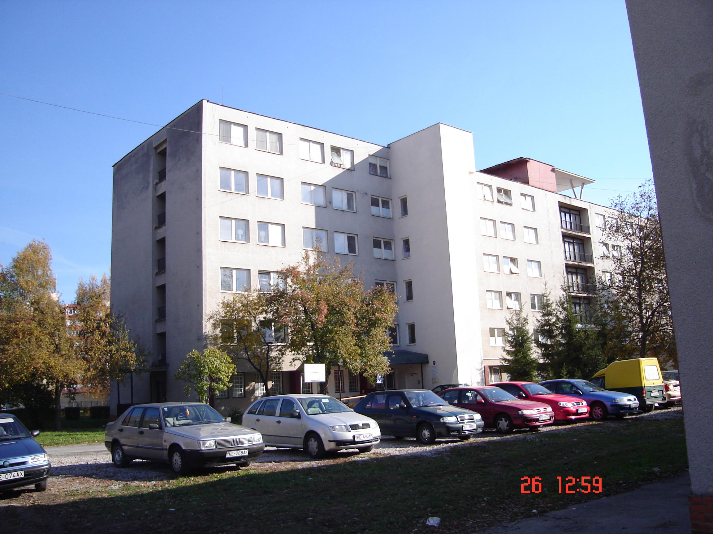 Budova školy na komenského ul trieda košikárska dielňa učebňa